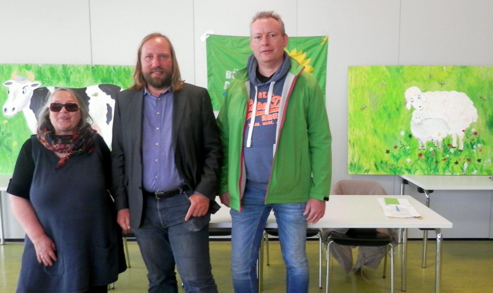 Thea und Uwe mit Dr. Anton Hofreiter